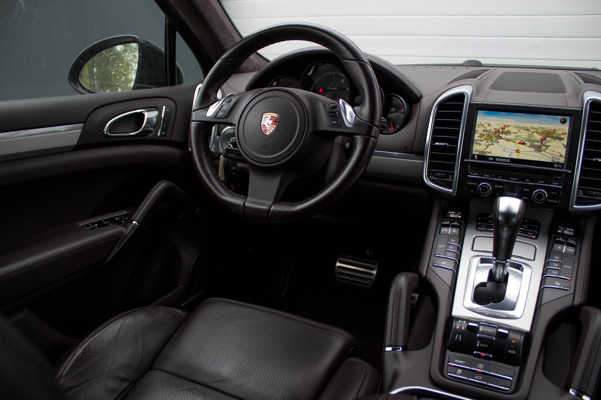 Porsche Cayenne 4.8 Turbo Exclusive/Panorama/Bose/21''/Sportstoelen Aut8 Foto 32