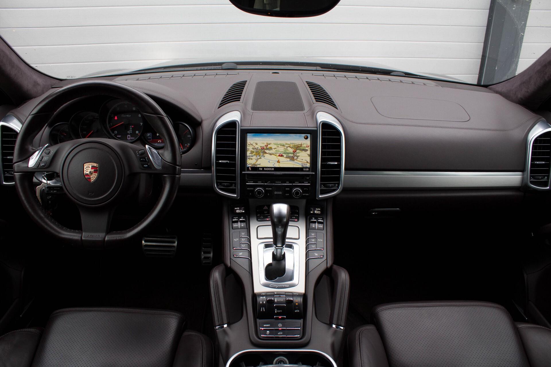 Porsche Cayenne 4.8 Turbo Exclusive/Panorama/Bose/21''/Sportstoelen Aut8 Foto 7