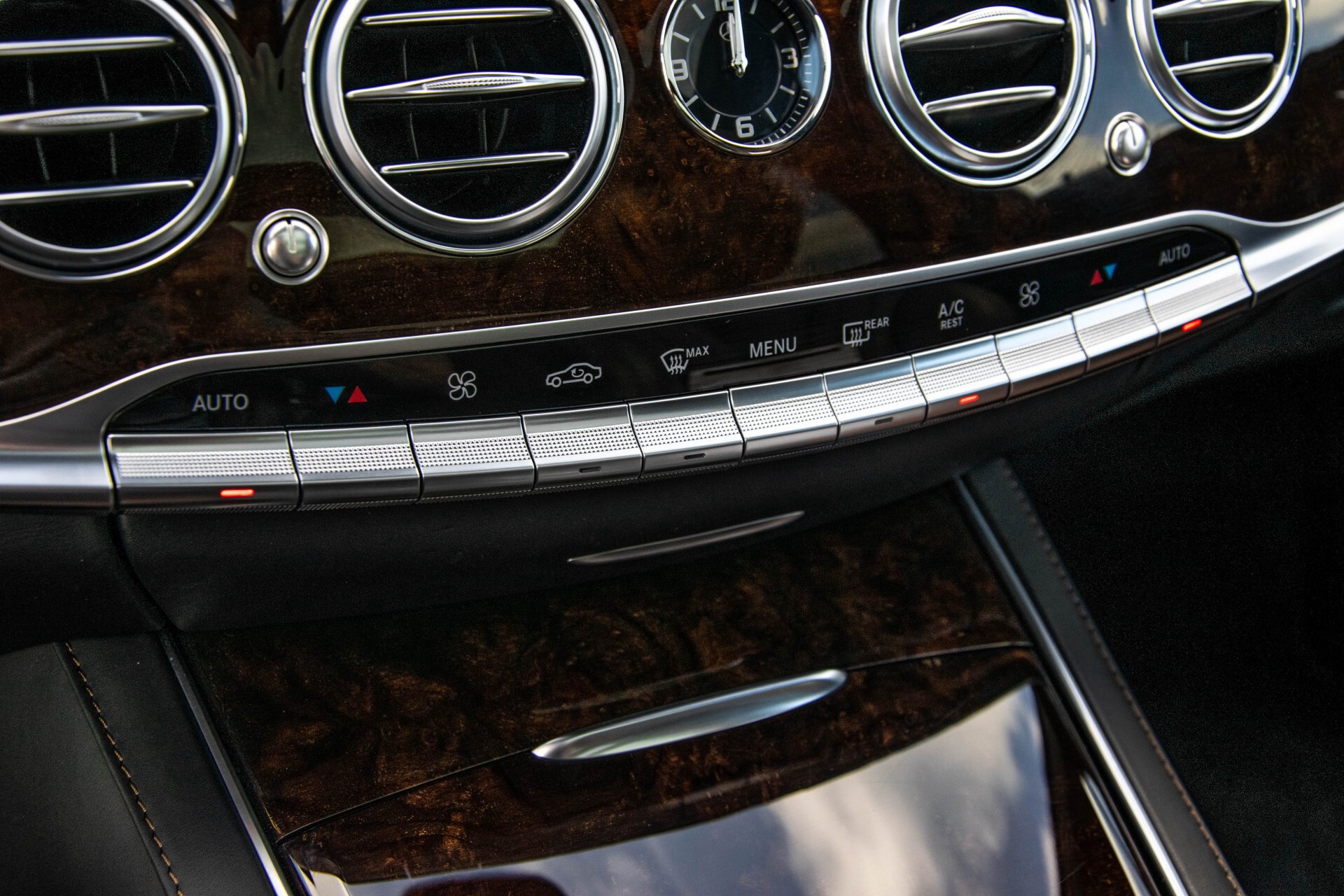Mercedes-Benz S-Klasse 560 4-M Lang AMG Plus Exclusive Entertainment/Massage Aut9 Foto 47