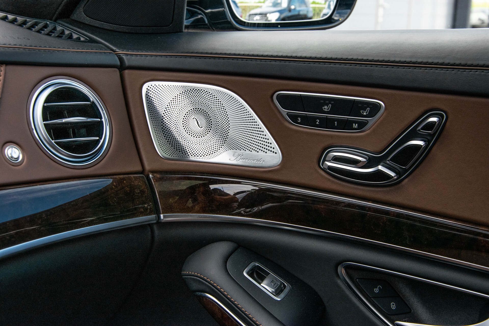 Mercedes-Benz S-Klasse 560 4-M Lang AMG Plus Exclusive Entertainment/Massage Aut9 Foto 52