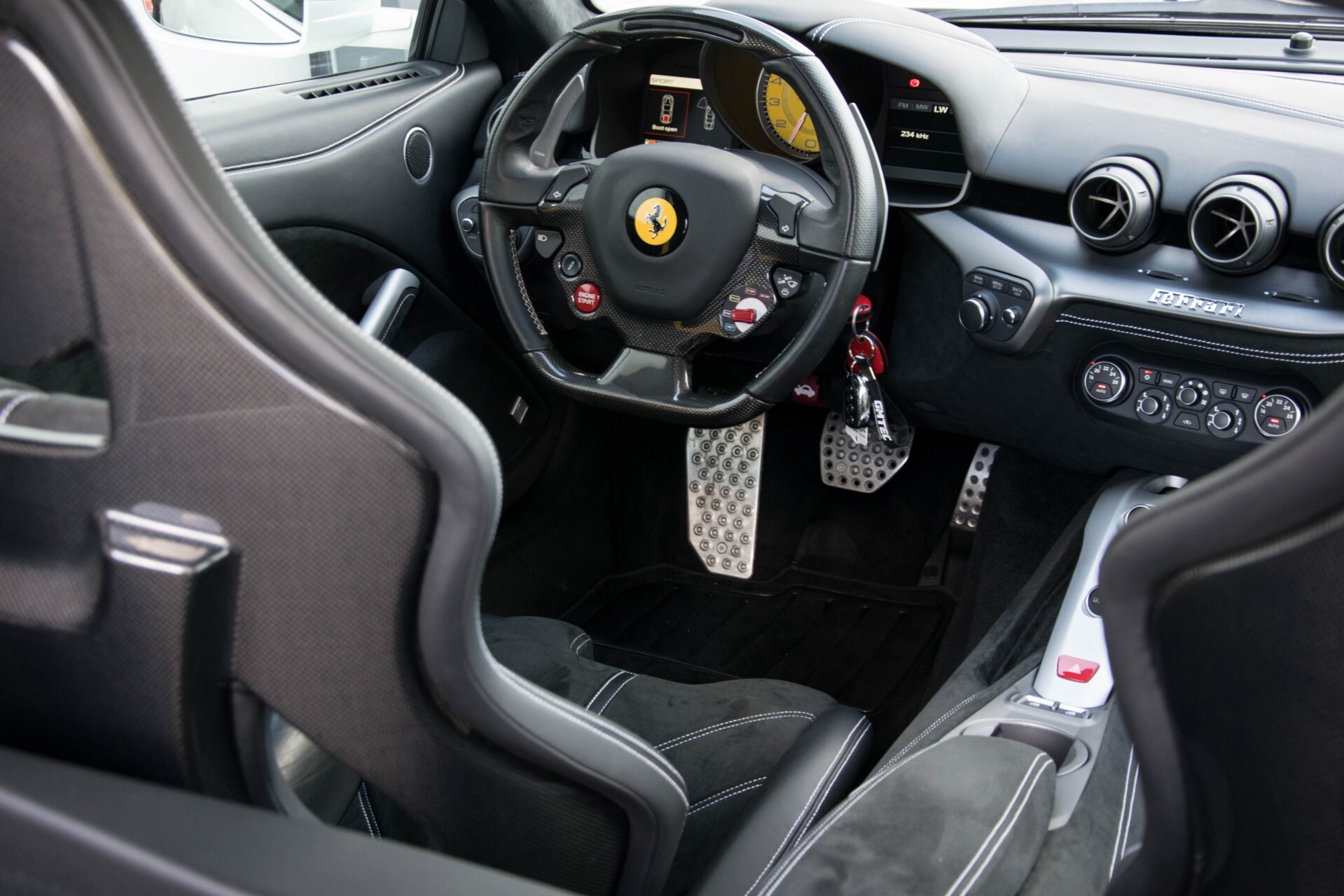 Ferrari F12 6.3 Berlinetta Capristo/Carbonseats/Led/Passenger Display Aut7 Foto 4