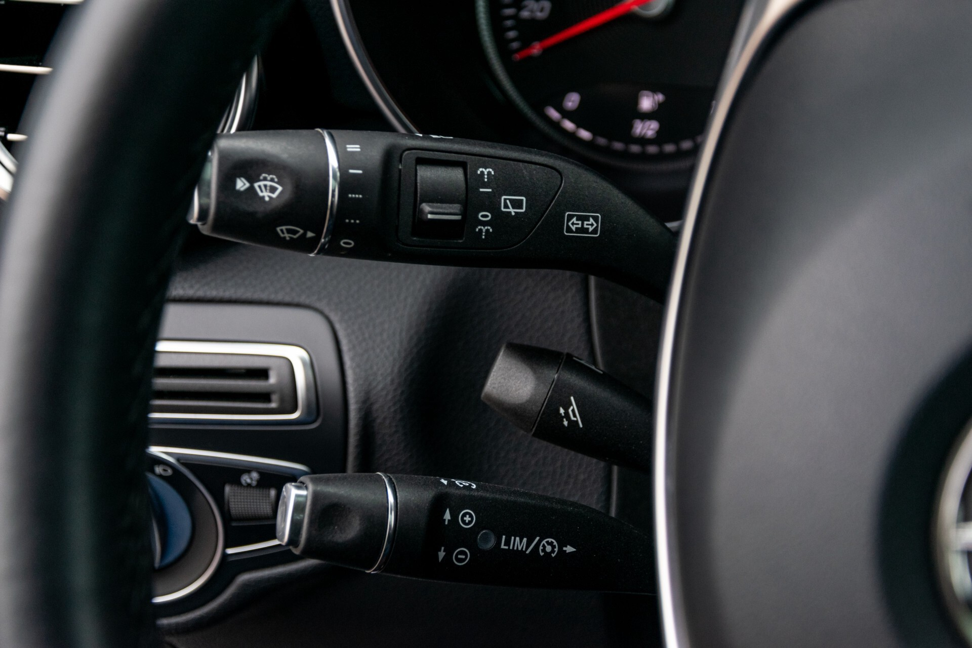 Mercedes-Benz GLC 250 4-M AMG Night Panorama Burmester/Memory/DAB Aut9 Foto 10