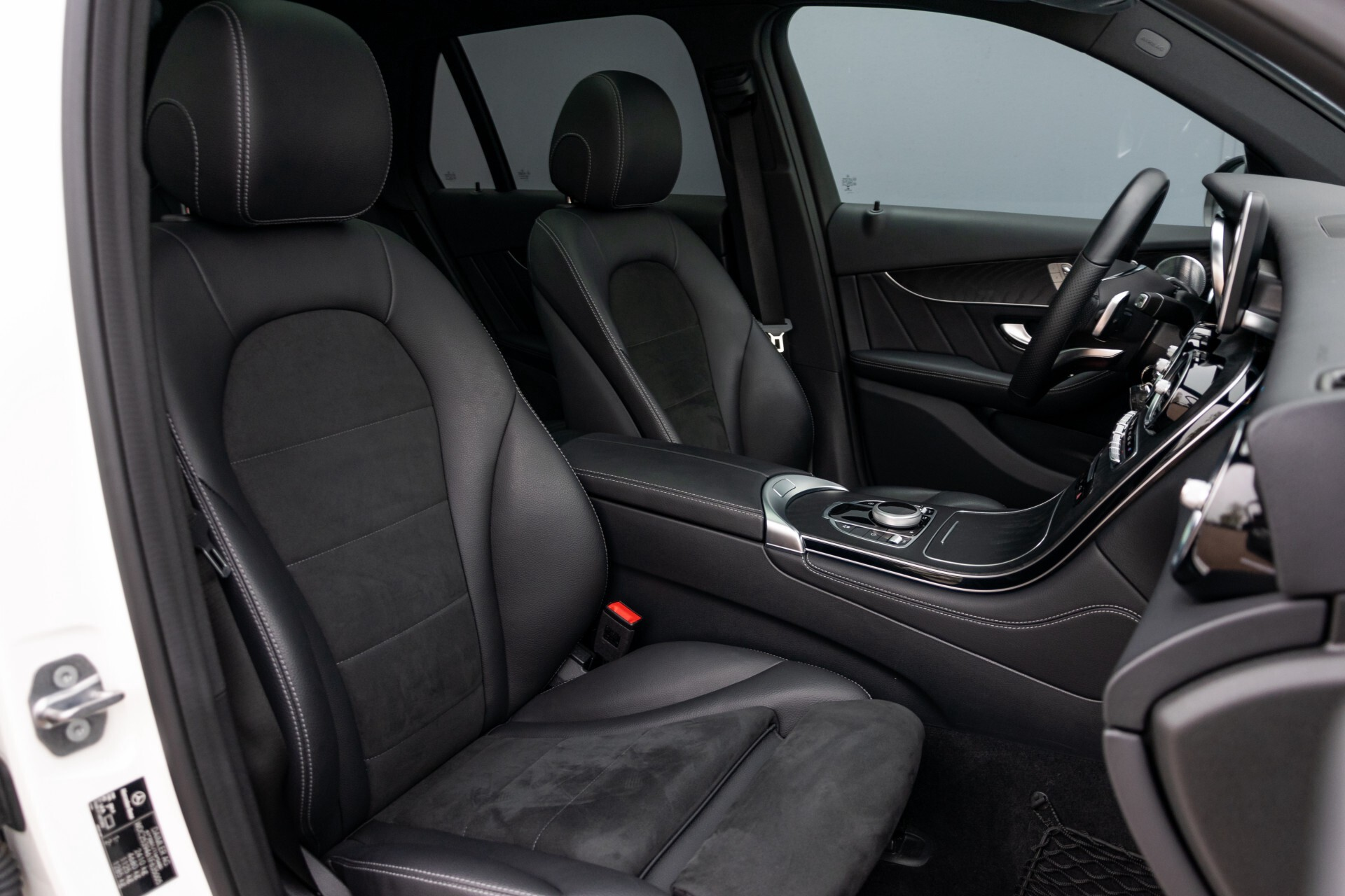 Mercedes-Benz GLC-Klasse 250 4-M AMG Night Panorama Burmester/Memory/DAB Aut9 Foto 3