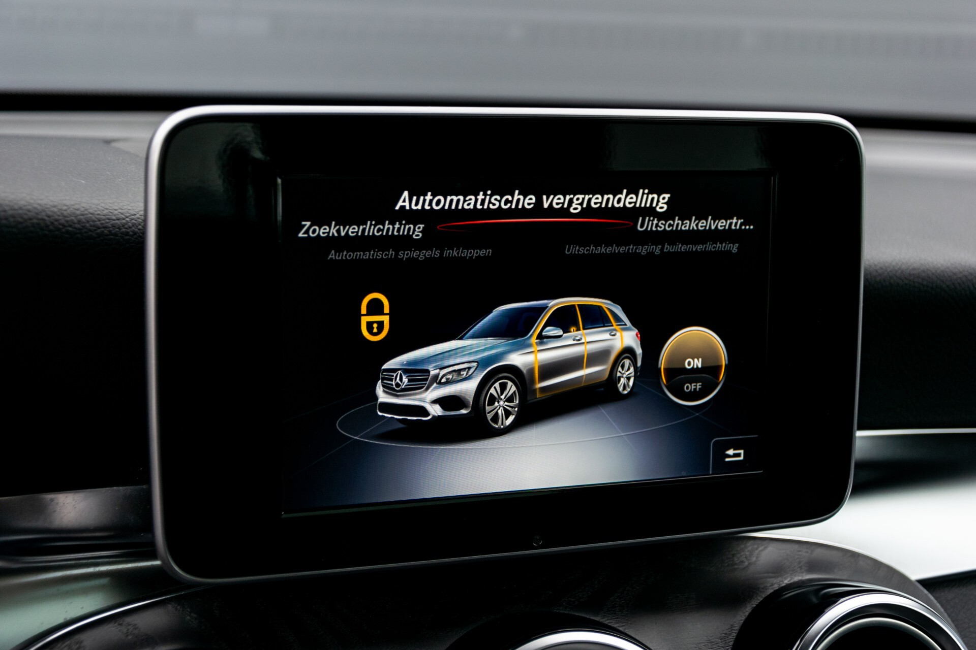 Mercedes-Benz GLC 250 4-M AMG Night Panorama Burmester/Memory/DAB Aut9 Foto 32