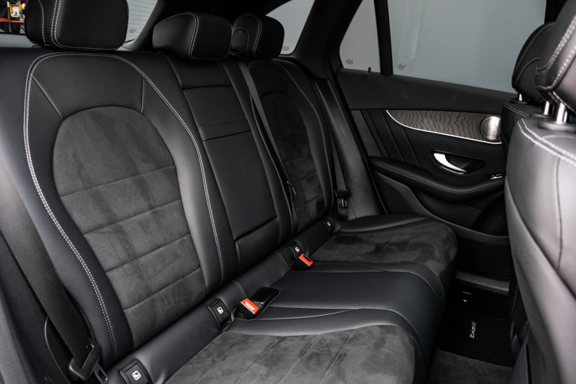 Mercedes-Benz GLC 250 4-M AMG Night Panorama Burmester/Memory/DAB Aut9 Foto 4