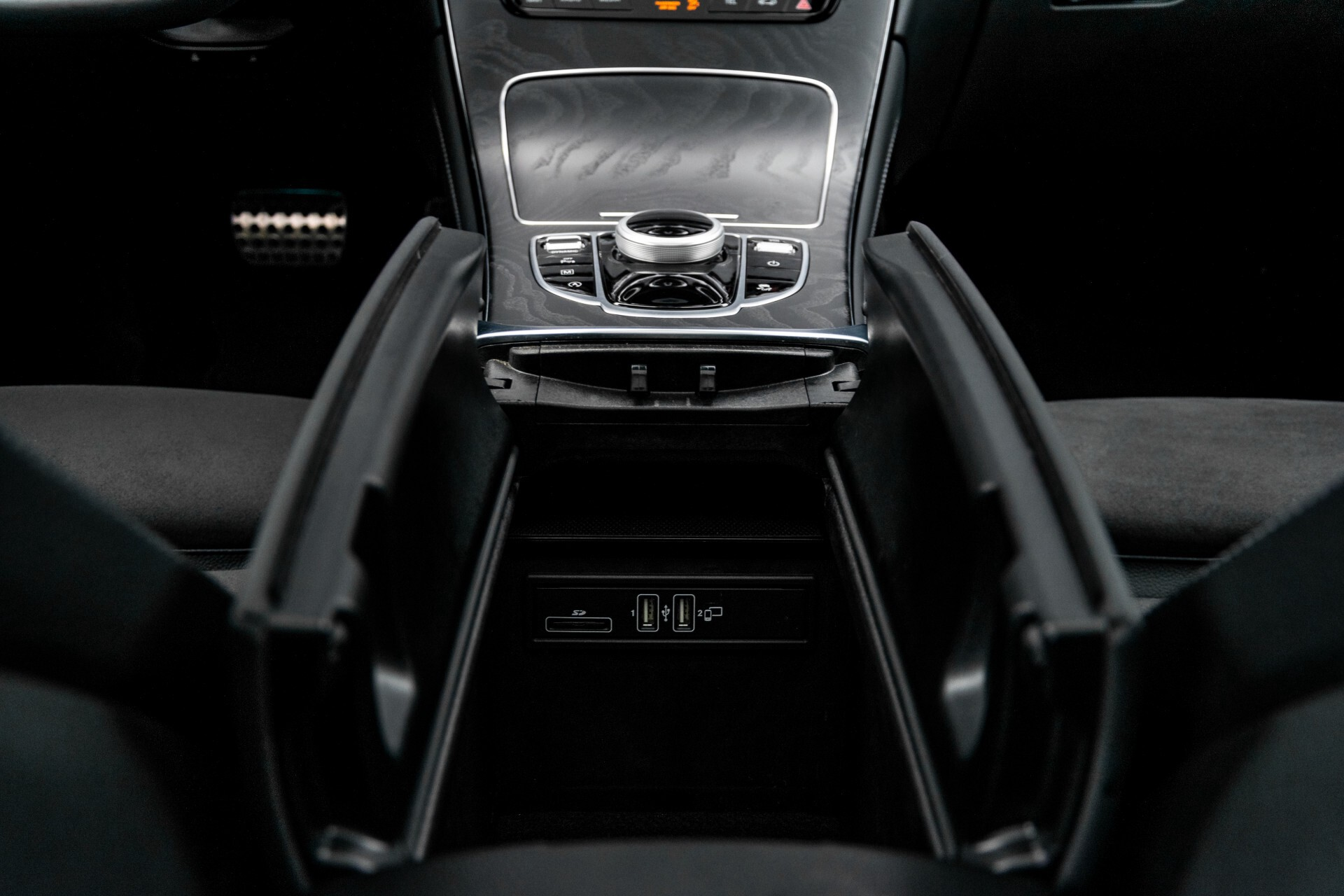 Mercedes-Benz GLC 250 4-M AMG Night Panorama Burmester/Memory/DAB Aut9 Foto 46