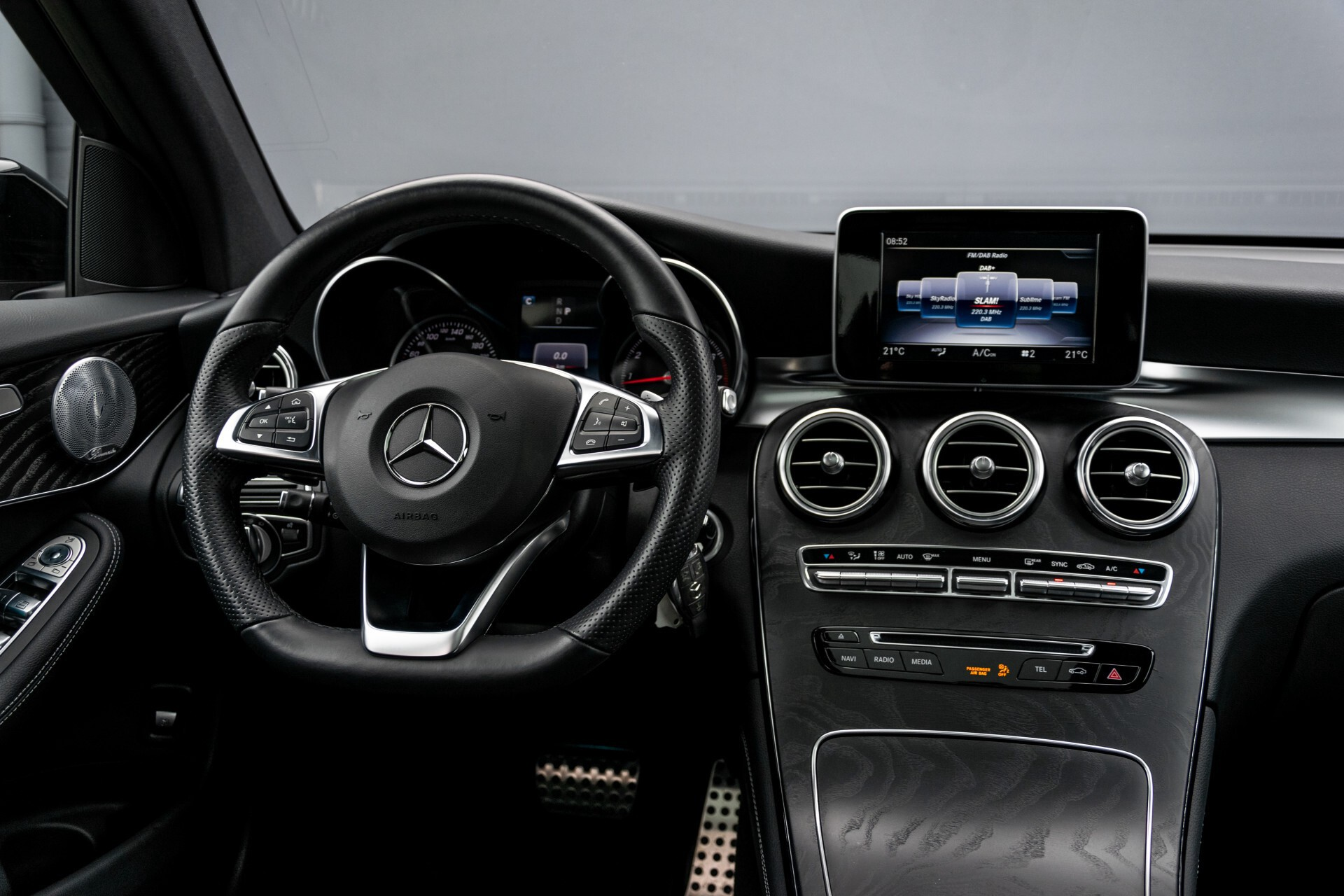 Mercedes-Benz GLC 250 4-M AMG Night Panorama Burmester/Memory/DAB Aut9 Foto 6