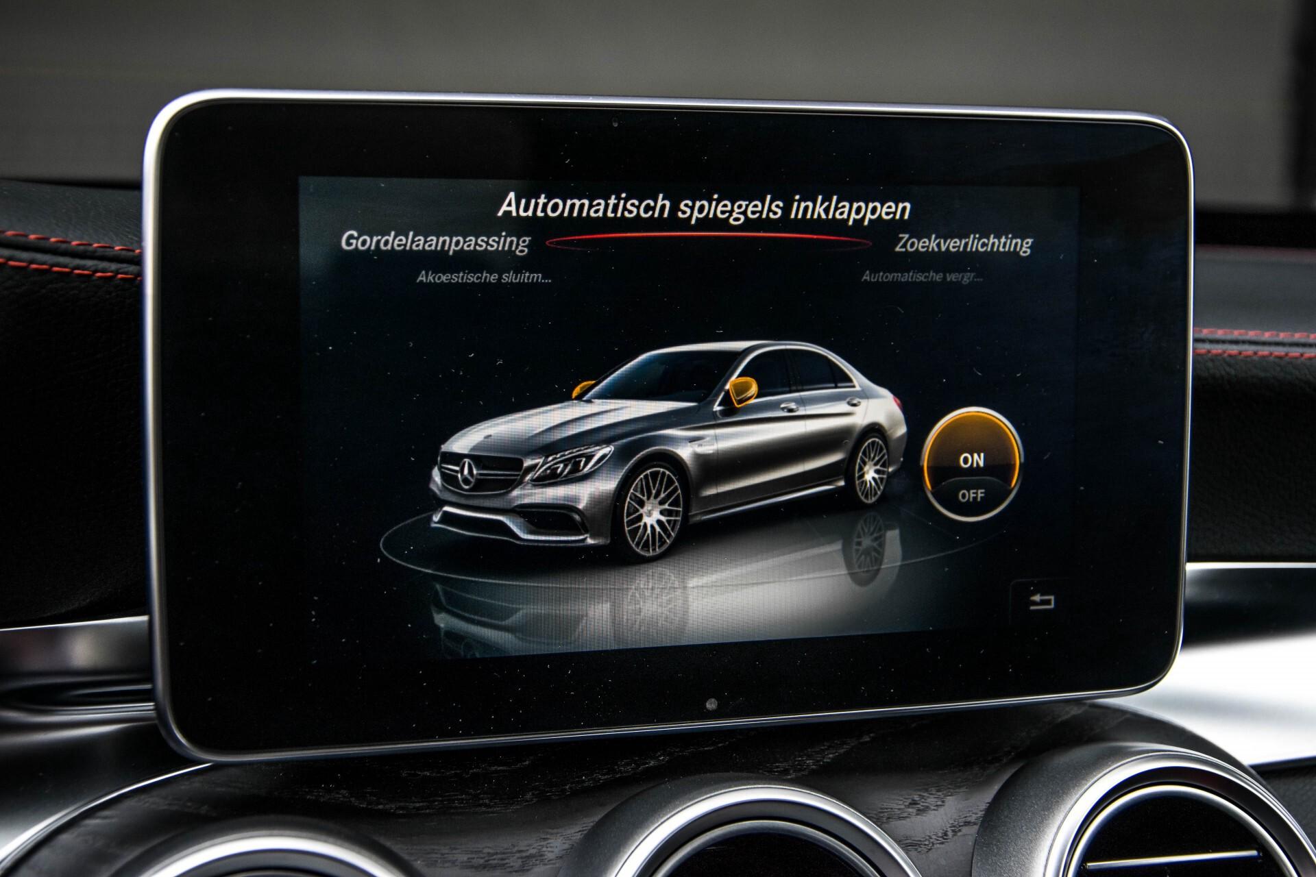 Mercedes-Benz C-Klasse 63 AMG Panorama Nappa/Spoorpakket/Camera/Performance stuur Aut7 Foto 24