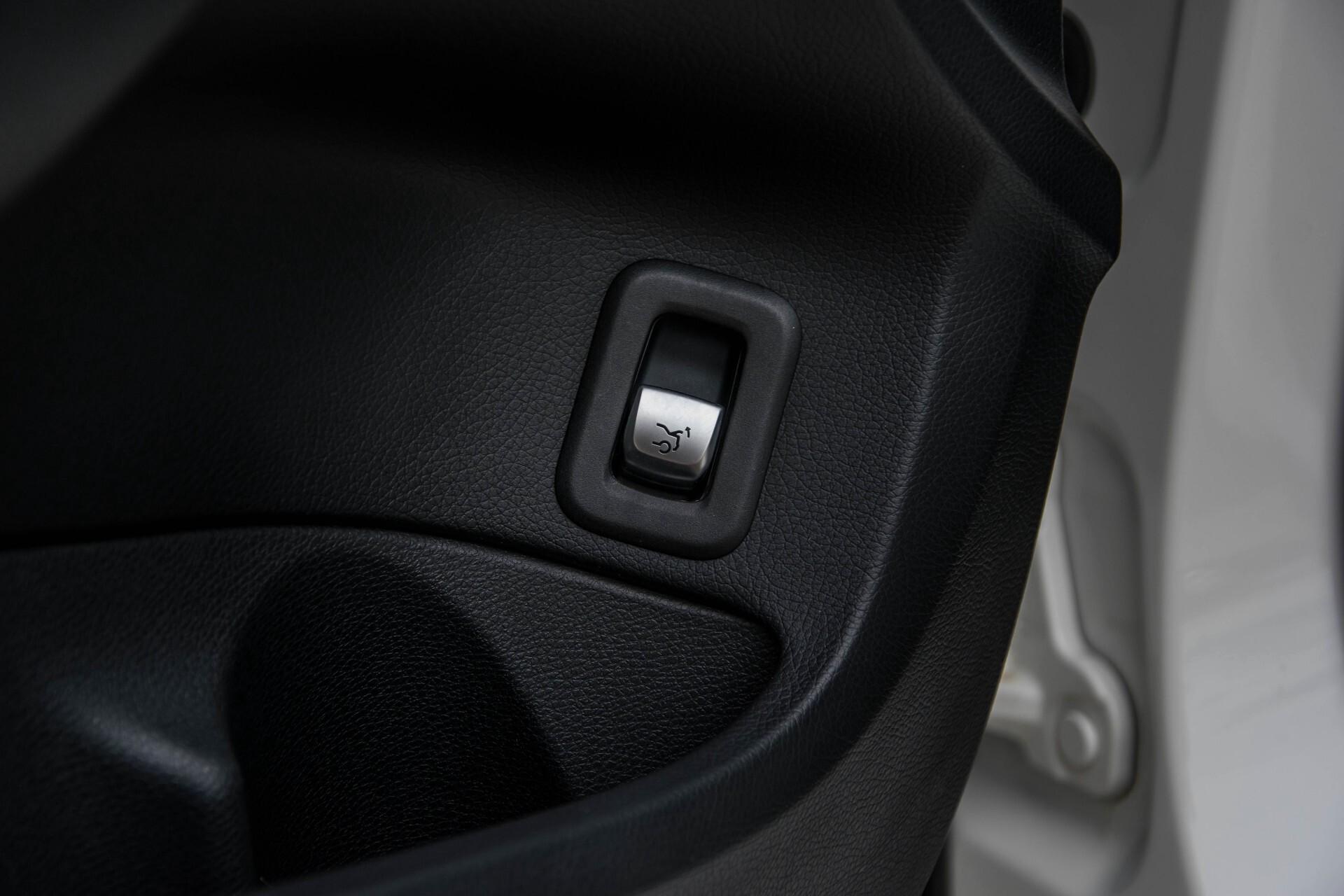 Mercedes-Benz C-Klasse 63 AMG Panorama Nappa/Spoorpakket/Camera/Performance stuur Aut7 Foto 29