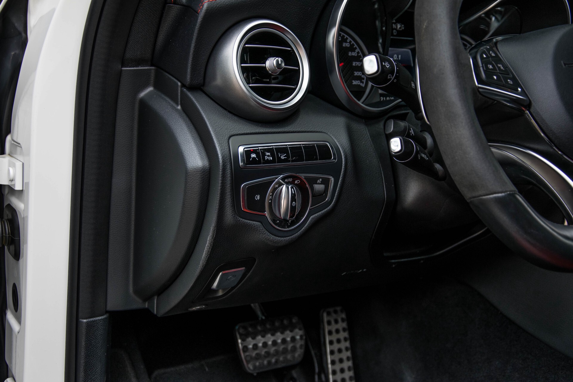 Mercedes-Benz C-Klasse 63 AMG Panorama Nappa/Spoorpakket/Camera/Performance stuur Aut7 Foto 33