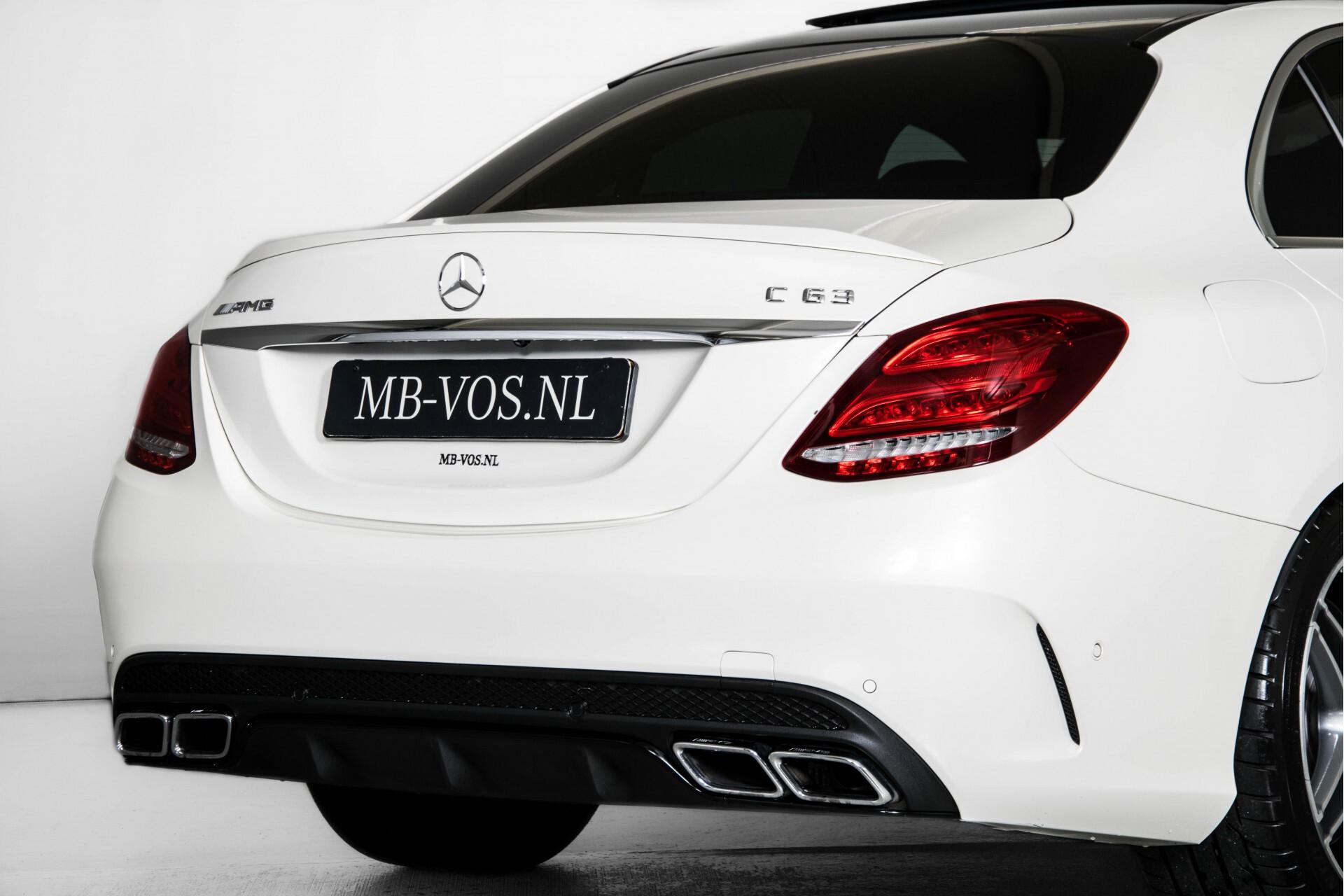 Mercedes-Benz C-Klasse 63 AMG Panorama Nappa/Spoorpakket/Camera/Performance stuur Aut7 Foto 56