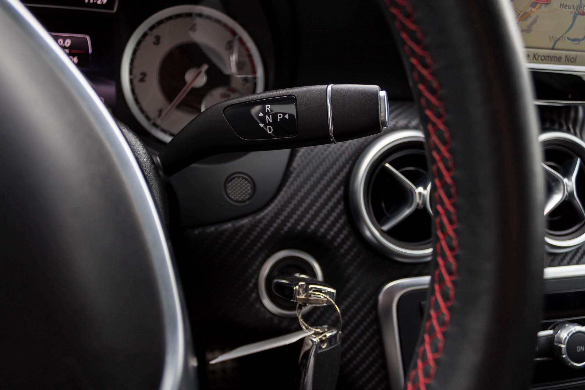 Mercedes-Benz A-Klasse 180 Cdi AMG Panorama Bi-xenon/Navi/PTS Aut7 Foto 12