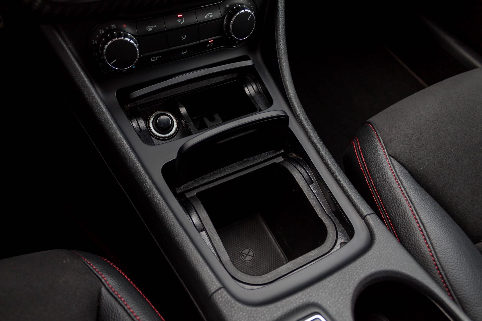 Mercedes-Benz A-Klasse 180 Cdi AMG Panorama Bi-xenon/Navi/PTS Aut7 Foto 20
