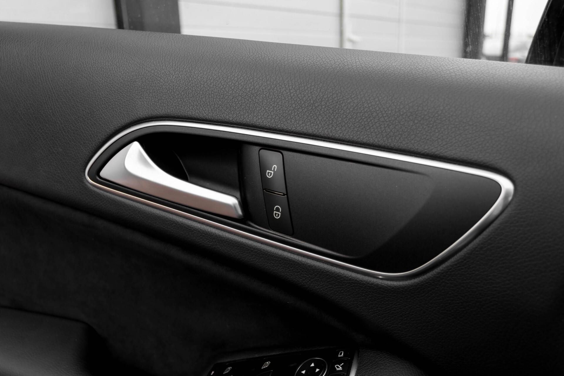 Mercedes-Benz A-Klasse 180 Cdi AMG Panorama Bi-xenon/Navi/PTS Aut7 Foto 23