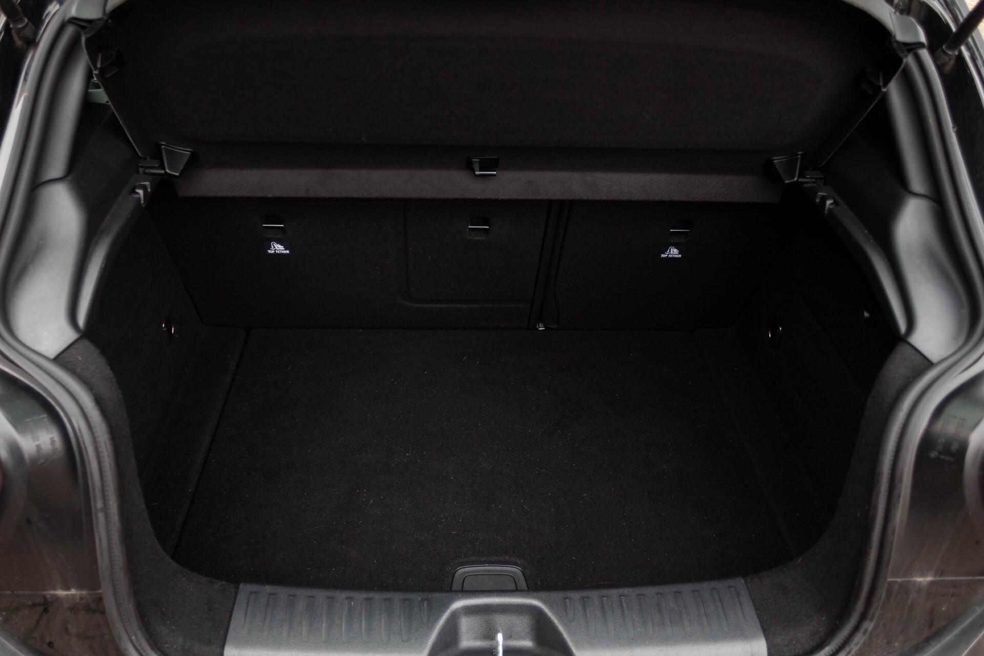 Mercedes-Benz A-Klasse 180 Cdi AMG Panorama Bi-xenon/Navi/PTS Aut7 Foto 29