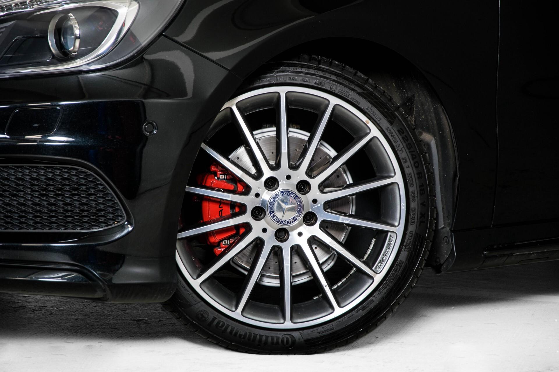 Mercedes-Benz A-Klasse 180 Cdi AMG Panorama Bi-xenon/Navi/PTS Aut7 Foto 33