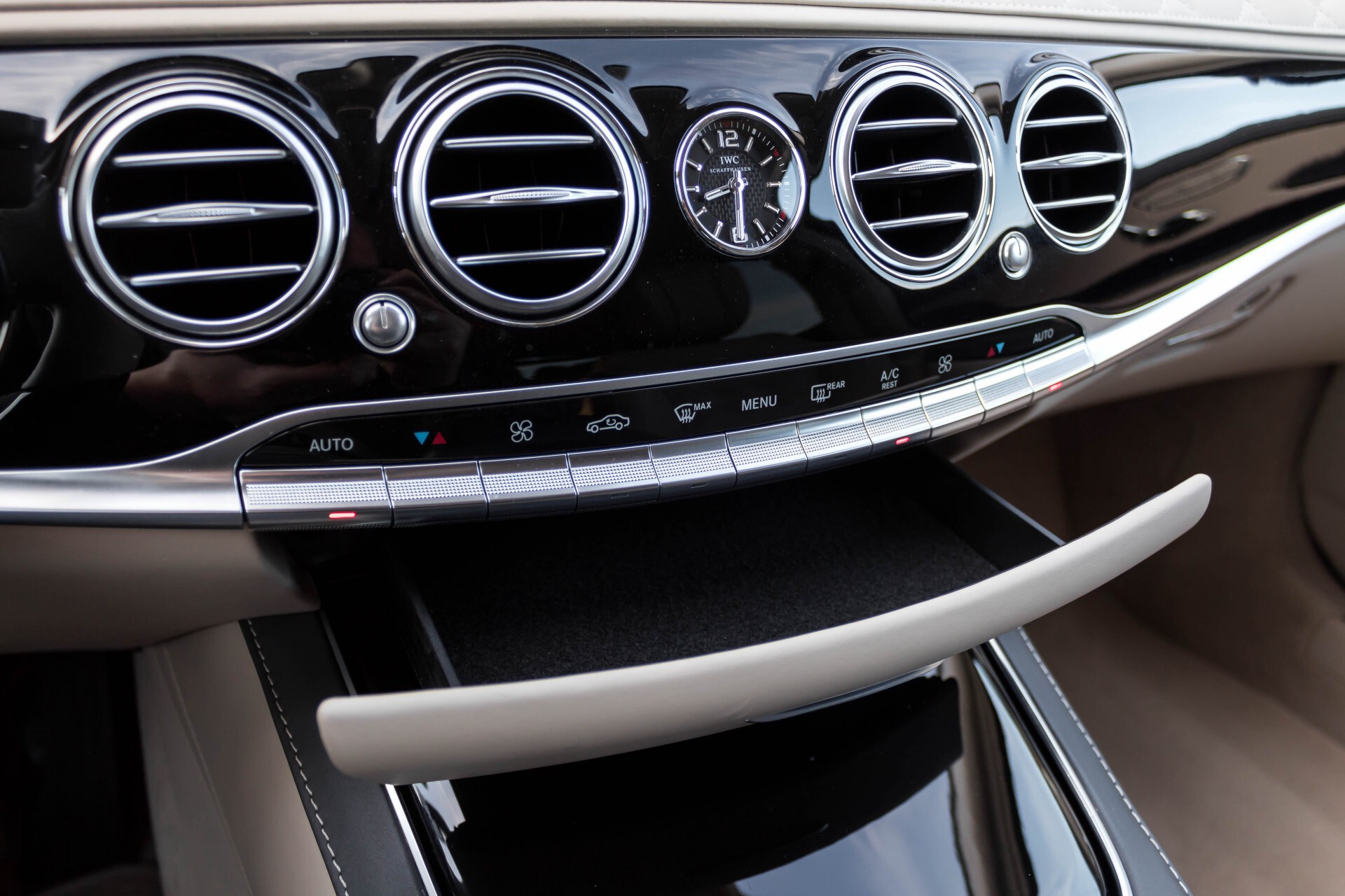 Mercedes-Benz S-Klasse 560 Maybach 4-M Designo First Class Full Options Aut9 Foto 26