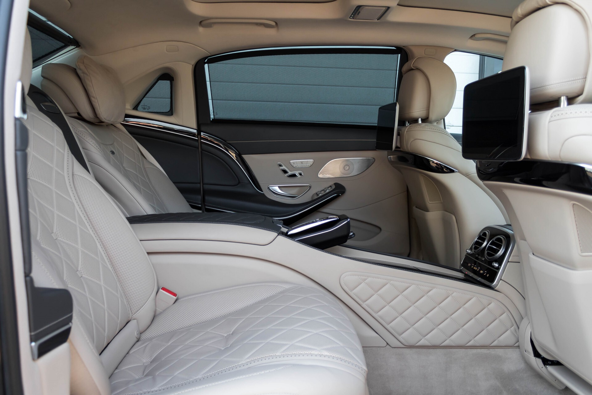 Mercedes-Benz S-Klasse 560 Maybach 4-M Designo First Class Full Options Aut9 Foto 4