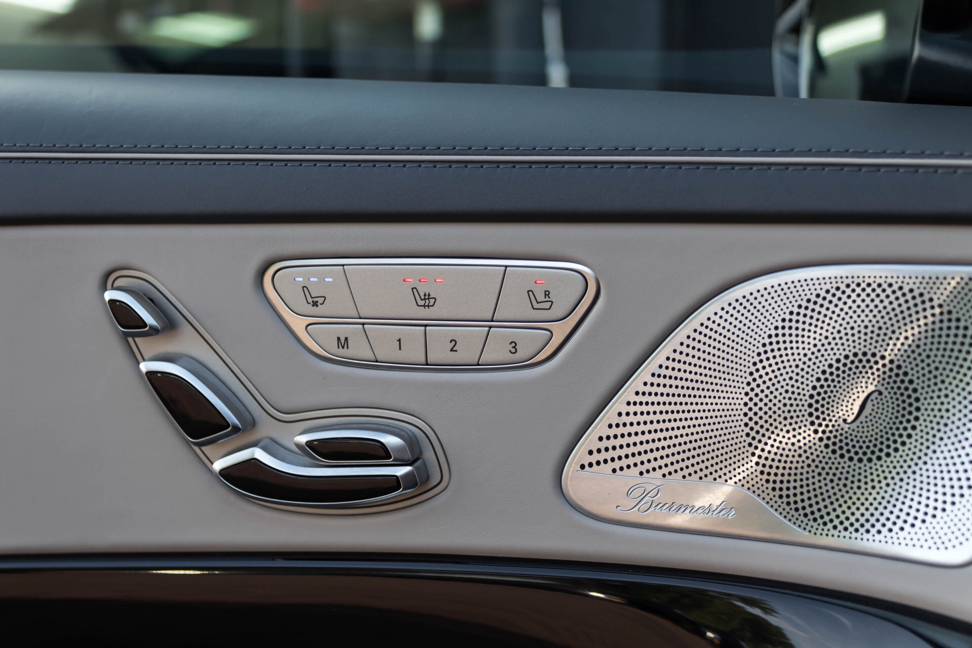 Mercedes-Benz S-Klasse 560 Maybach 4-M Designo First Class Full Options Aut9 Foto 50