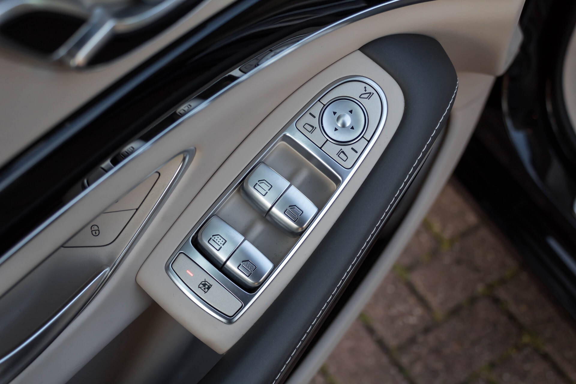 Mercedes-Benz S-Klasse 560 Maybach 4-M Designo First Class Full Options Aut9 Foto 52