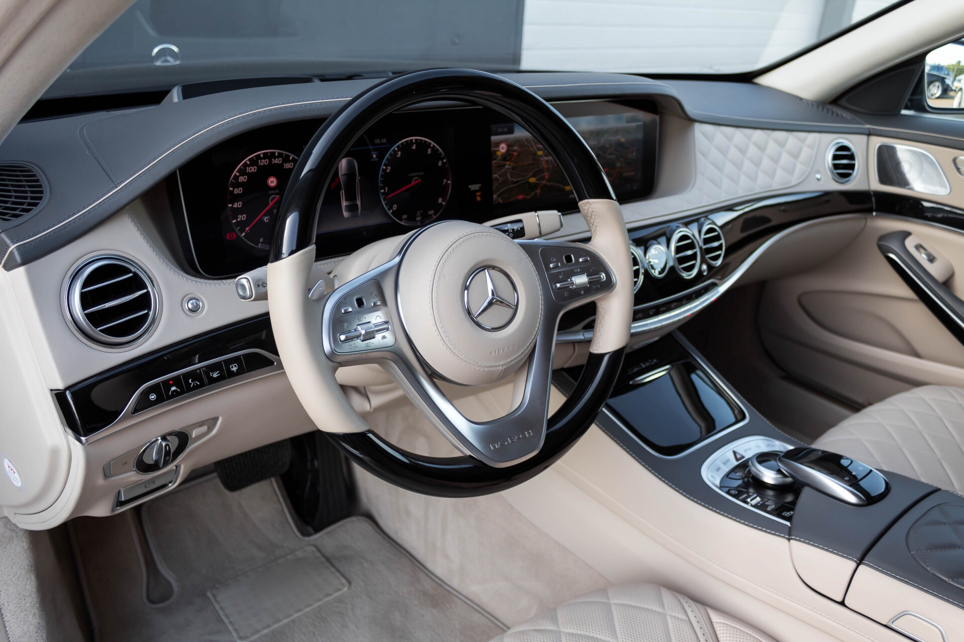 Mercedes-Benz S-Klasse 560 Maybach 4-M Designo First Class Full Options Aut9 Foto 59