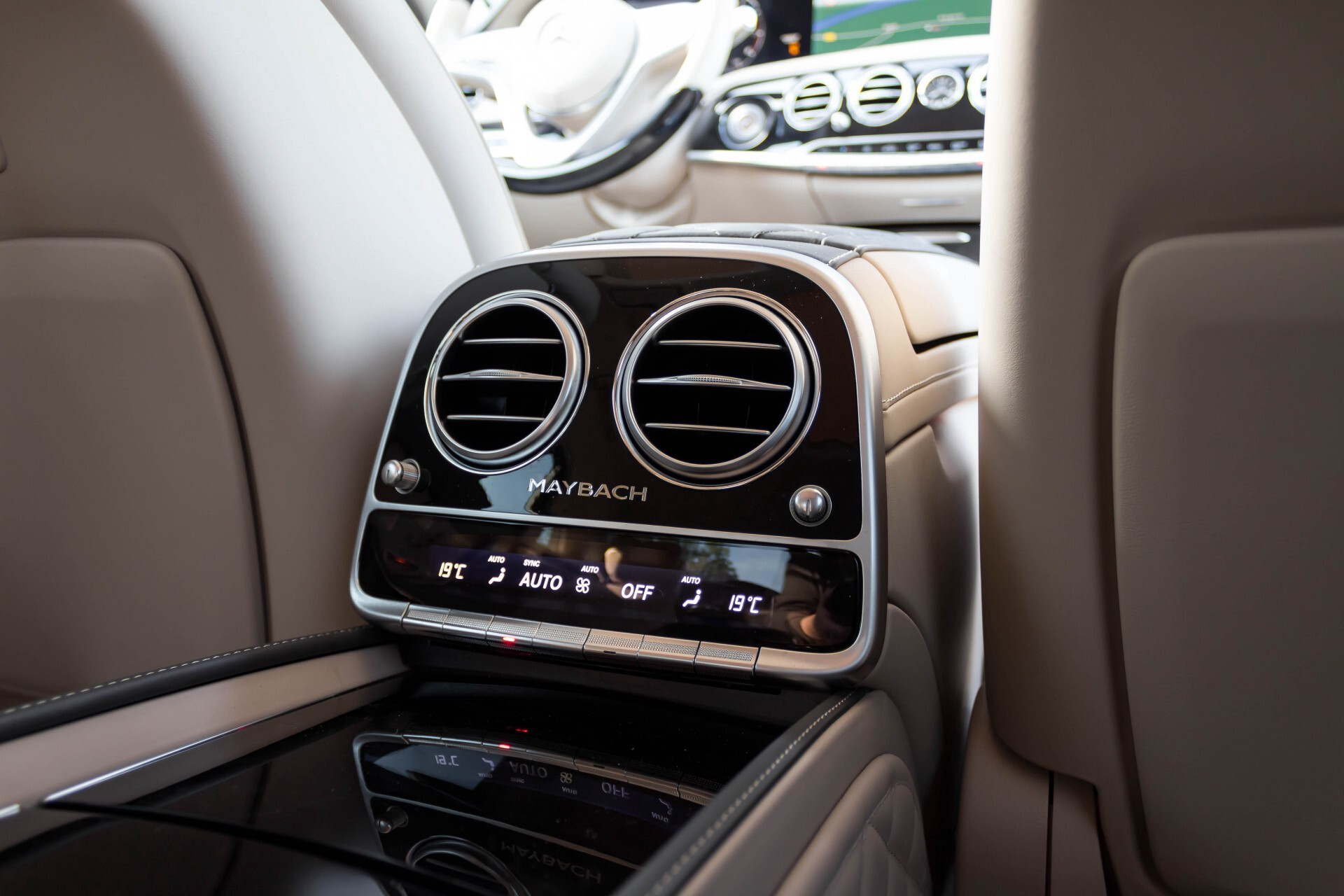 Mercedes-Benz S-Klasse 560 Maybach 4-M Designo First Class Full Options Aut9 Foto 64