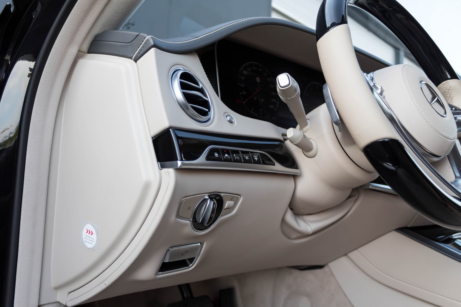 Mercedes-Benz S-Klasse 560 Maybach 4-M Designo First Class Full Options Aut9 Foto 77