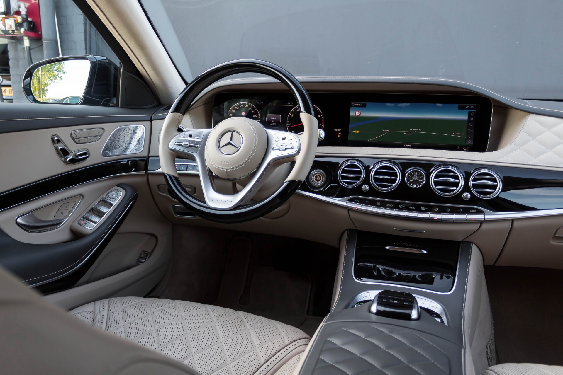 Mercedes-Benz S-Klasse 560 Maybach 4-M Designo First Class Full Options Aut9 Foto 8