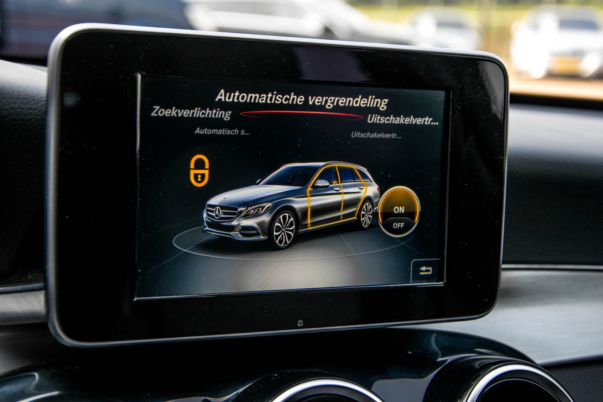 Mercedes-Benz C-Klasse Estate 180 Avantgarde LED/Navi/Privacyglas/Pts/Aut-koffer Aut7 Foto 26