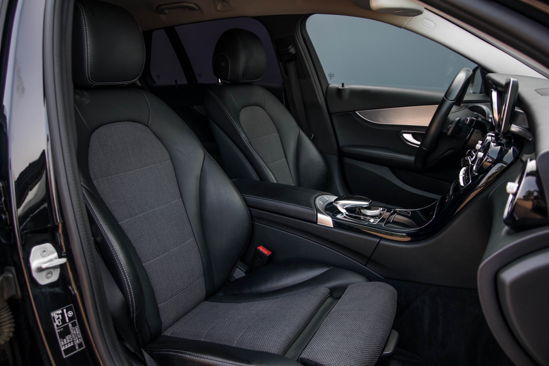 Mercedes-Benz C-Klasse Estate 180 Avantgarde LED/Navi/Privacyglas/Pts/Aut-koffer Aut7 Foto 3