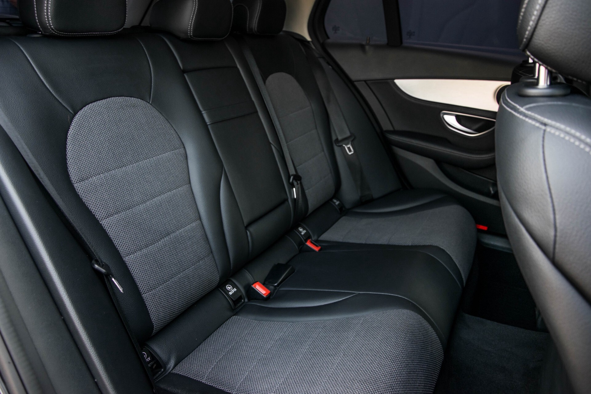 Mercedes-Benz C-Klasse Estate 180 Avantgarde LED/Navi/Privacyglas/Pts/Aut-koffer Aut7 Foto 4