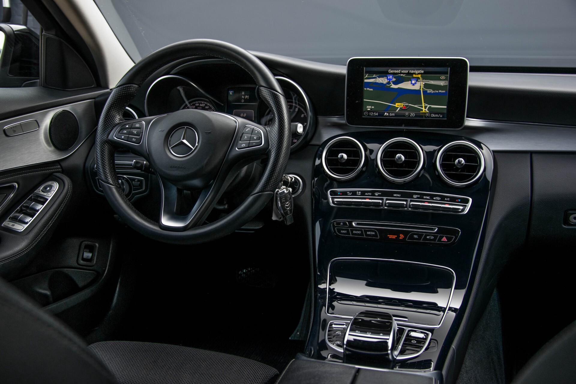 Mercedes-Benz C-Klasse Estate 180 Avantgarde LED/Navi/Privacyglas/Pts/Aut-koffer Aut7 Foto 6