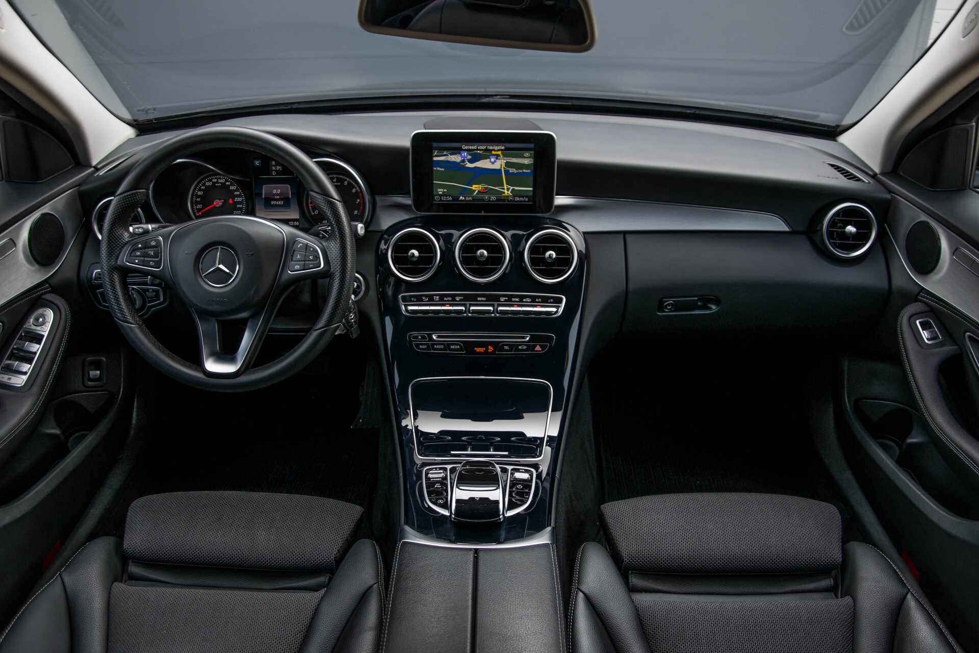 Mercedes-Benz C-Klasse Estate 180 Avantgarde LED/Navi/Privacyglas/Pts/Aut-koffer Aut7 Foto 7