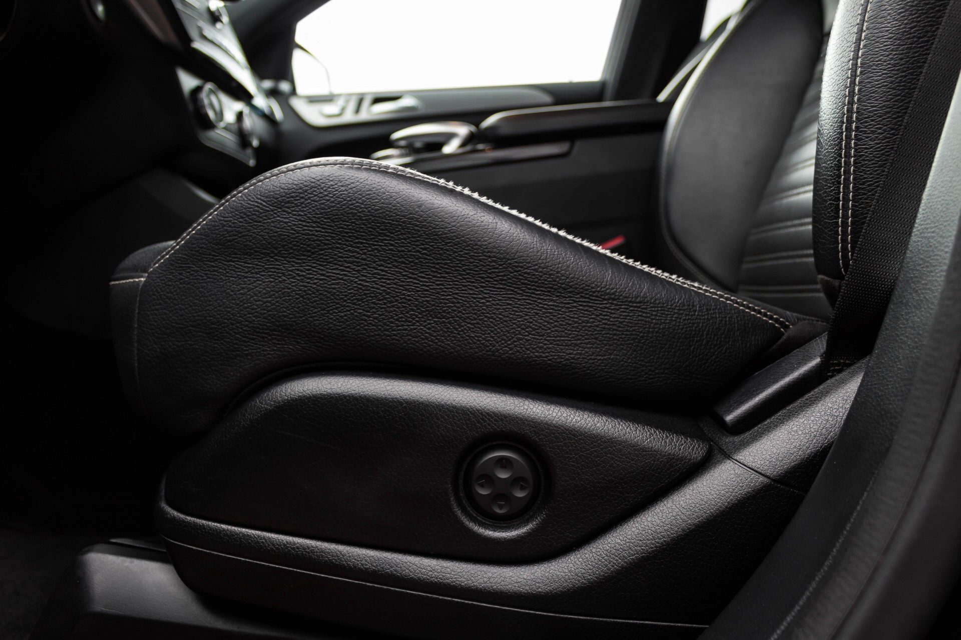 Mercedes-Benz GLE-Klasse Coupé 350 d 4-M AMG Luchtvering/Distronic/Panorama/Mem/Trekhaak Aut9 Foto 48