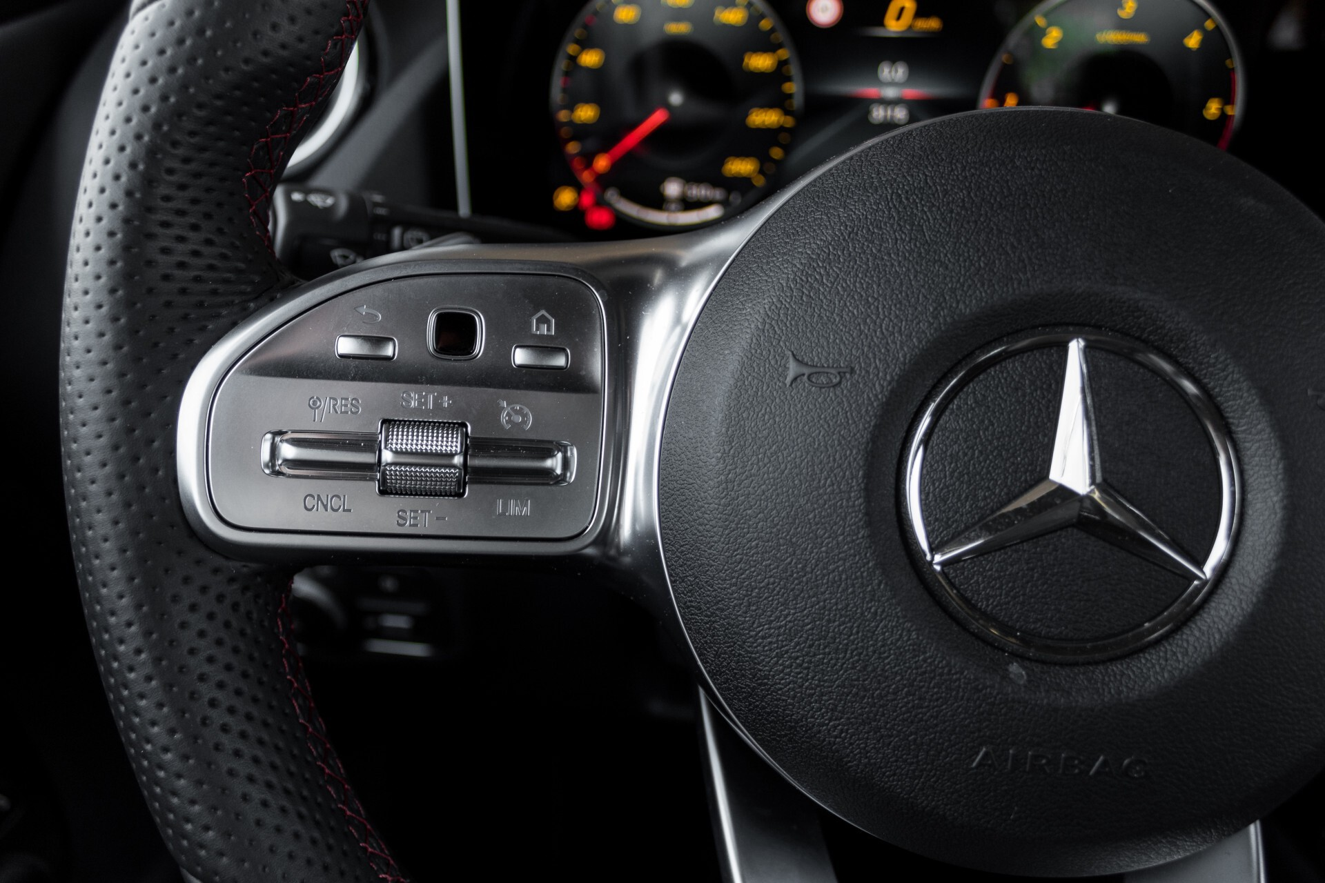 "Mercedes-Benz B-Klasse 180d AMG Widescreen/M-bux/LED/19"" Aut7 Foto 11"