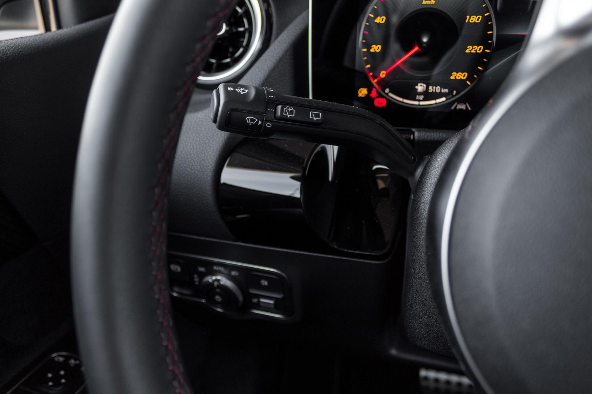 "Mercedes-Benz B-Klasse 180d AMG Widescreen/M-bux/LED/19"" Aut7 Foto 12"