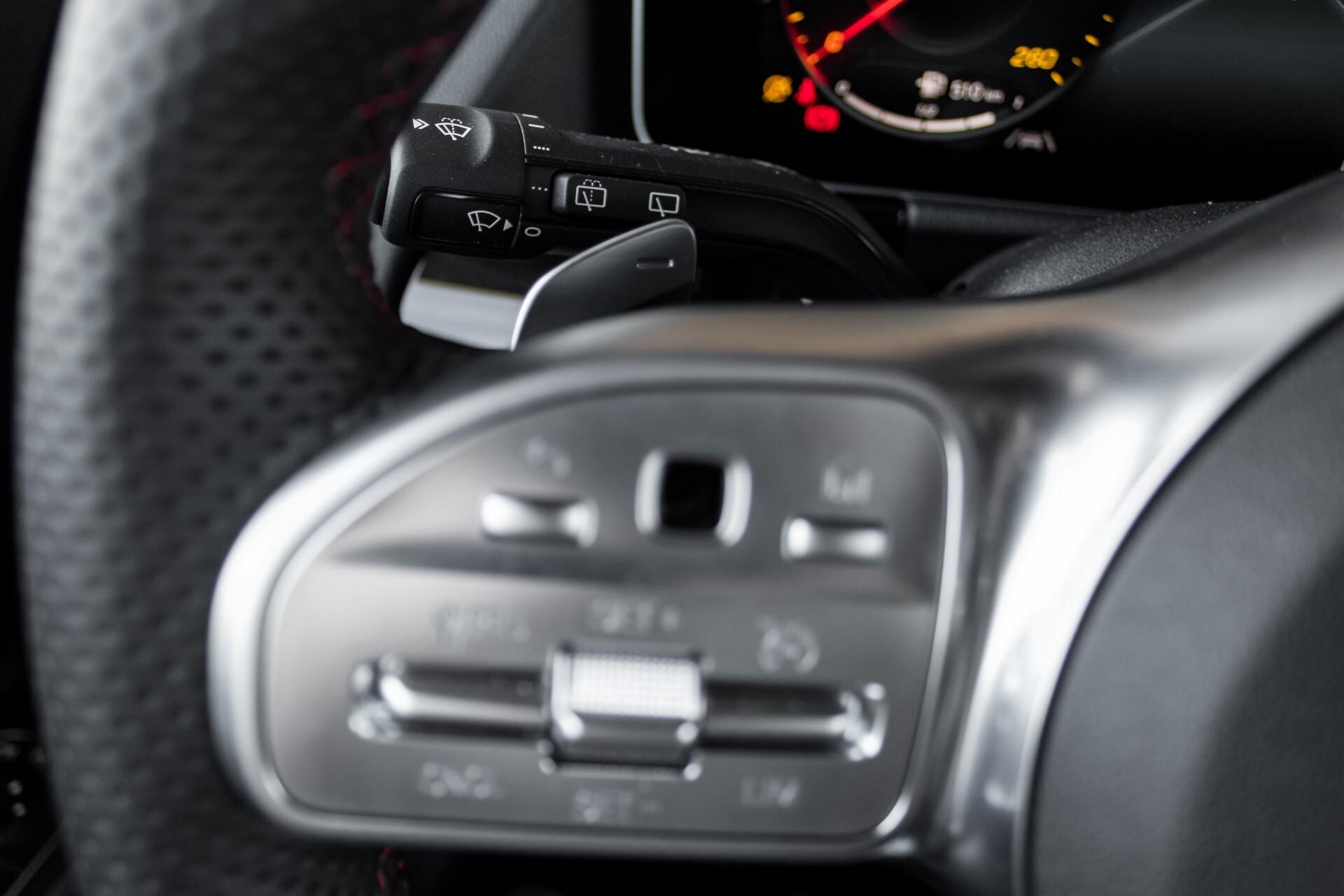 "Mercedes-Benz B-Klasse 180d AMG Widescreen/M-bux/LED/19"" Aut7 Foto 13"