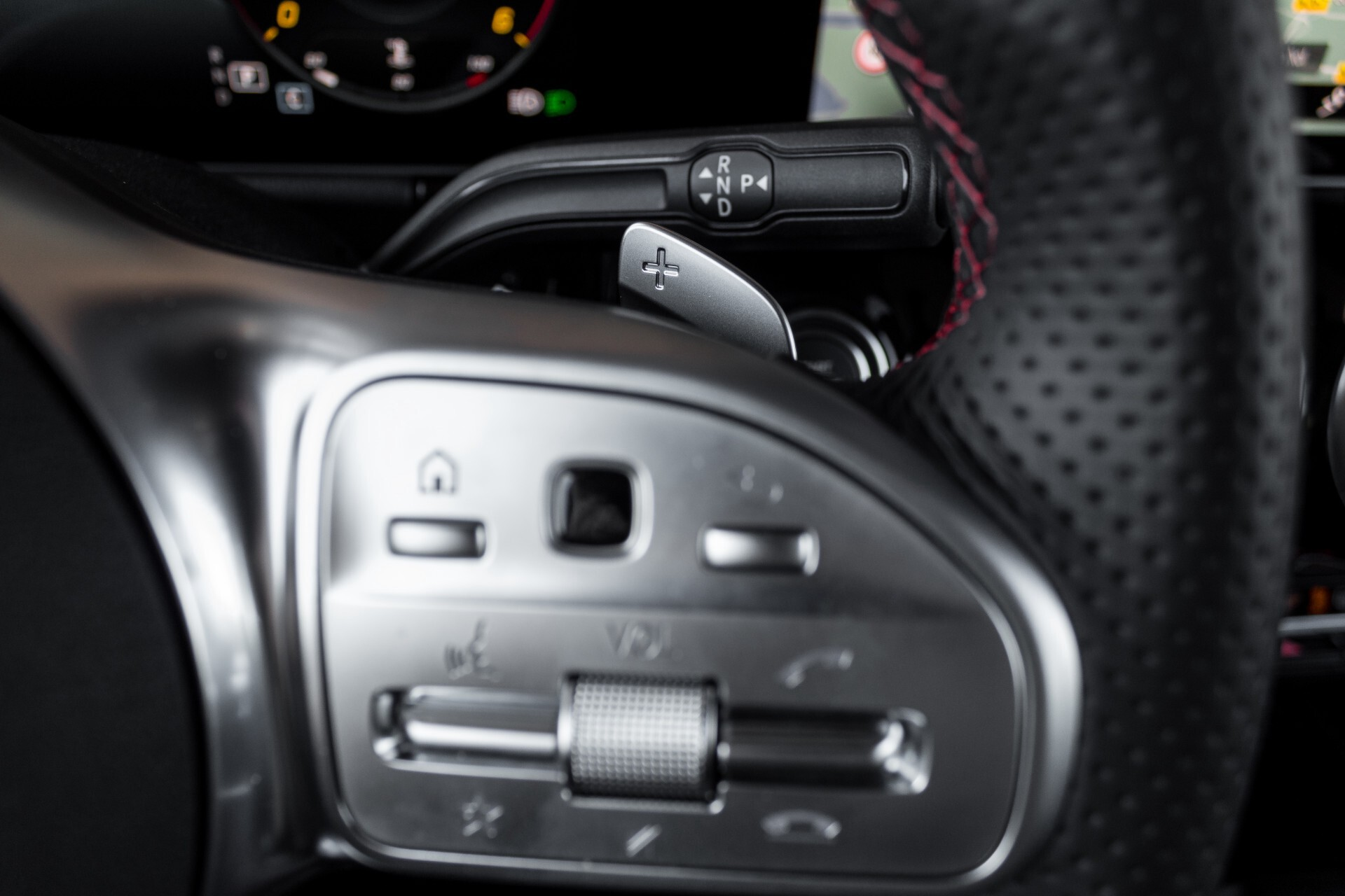 "Mercedes-Benz B-Klasse 180d AMG Widescreen/M-bux/LED/19"" Aut7 Foto 15"