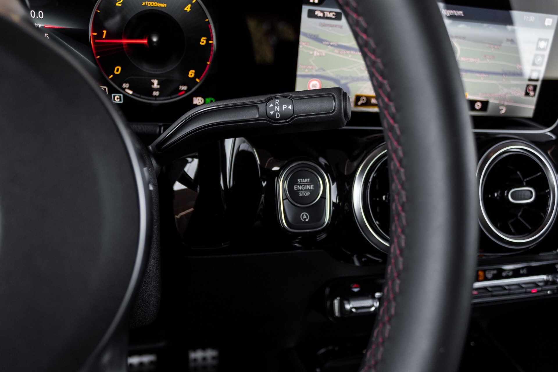 "Mercedes-Benz B-Klasse 180d AMG Widescreen/M-bux/LED/19"" Aut7 Foto 16"