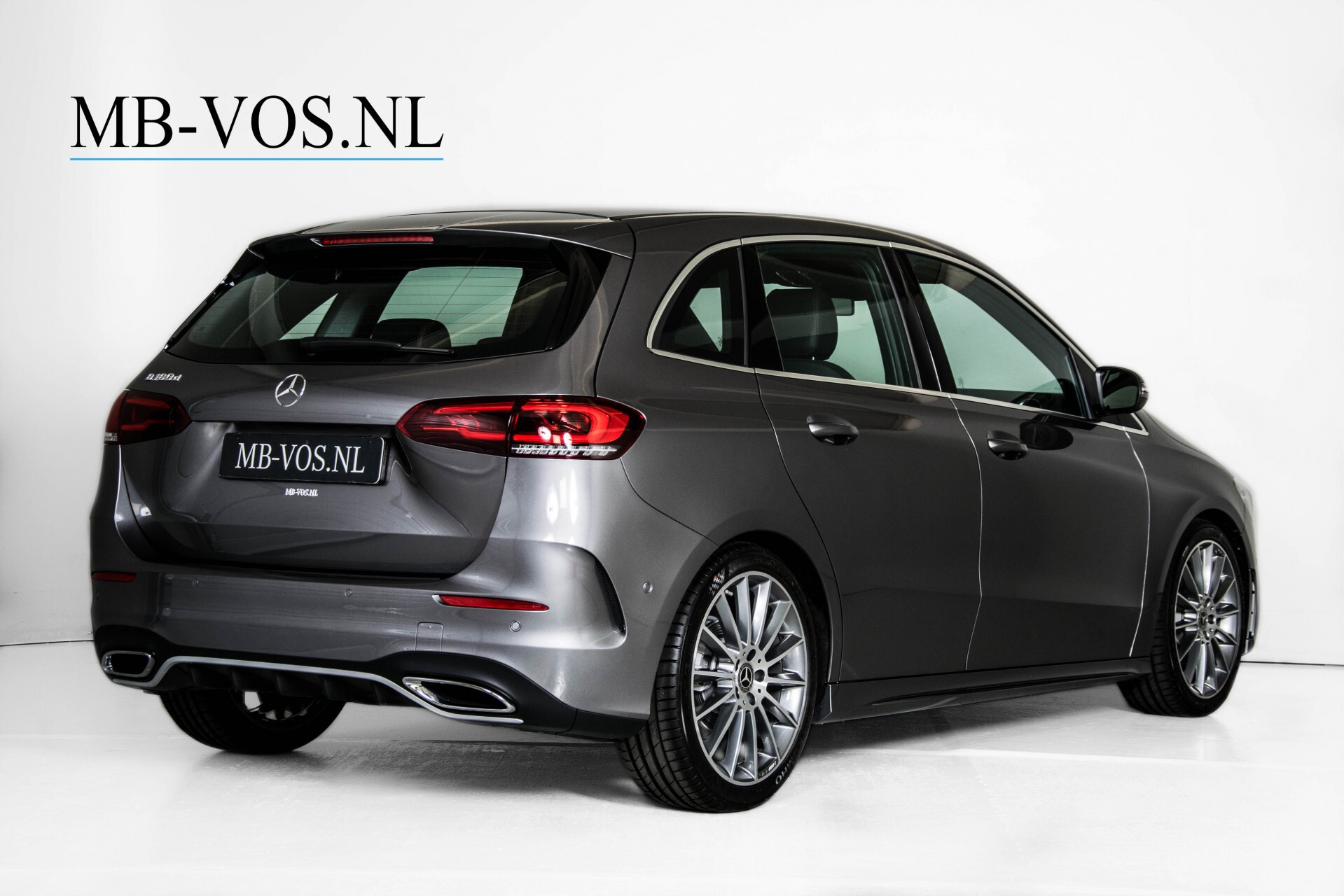 "Mercedes-Benz B-Klasse 180d AMG Widescreen/M-bux/LED/19"" Aut7 Foto 2"