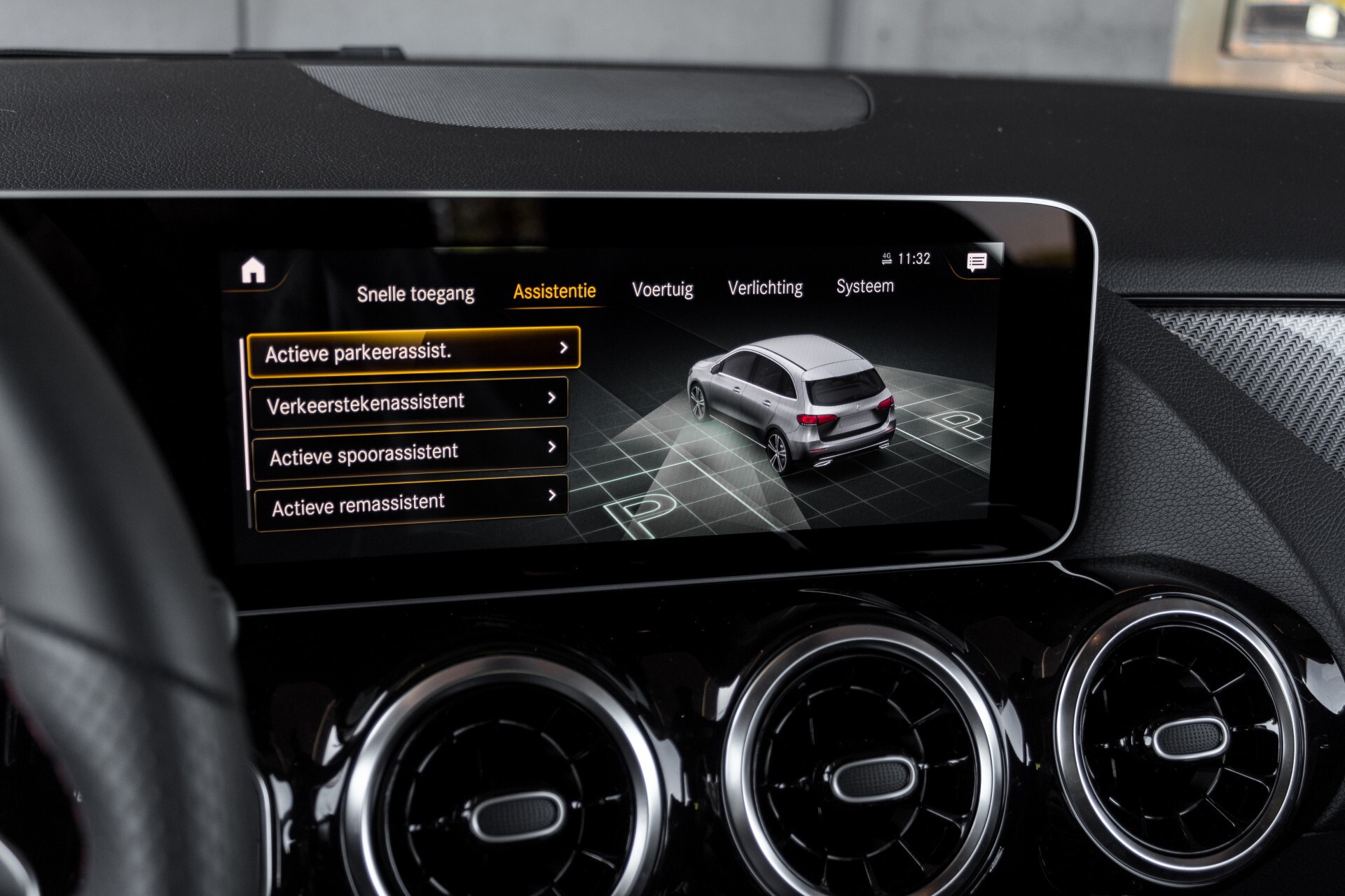 "Mercedes-Benz B-Klasse 180d AMG Widescreen/M-bux/LED/19"" Aut7 Foto 30"