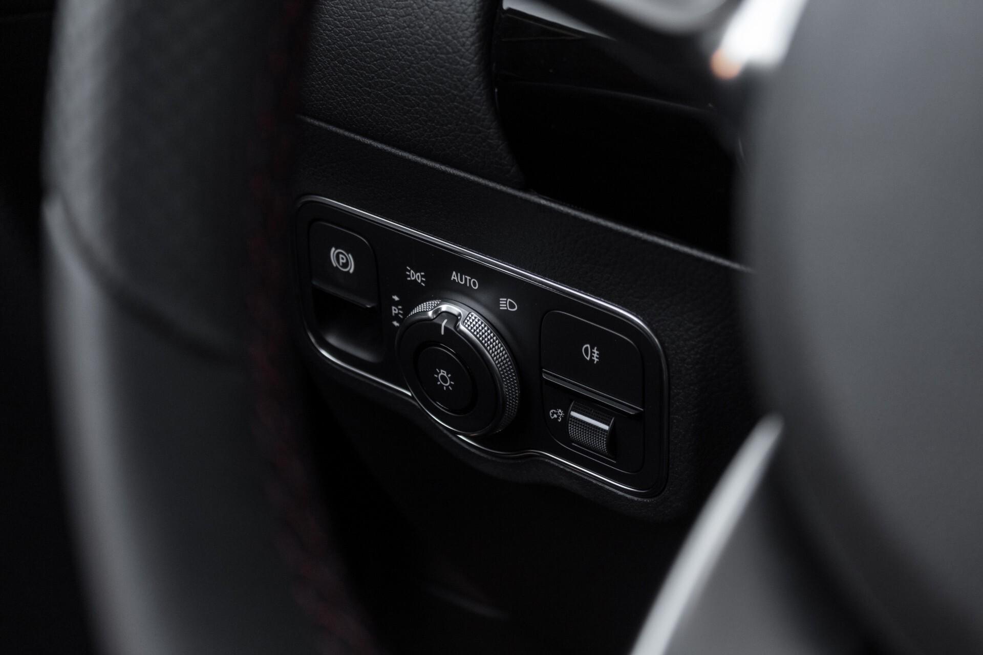 "Mercedes-Benz B-Klasse 180d AMG Widescreen/M-bux/LED/19"" Aut7 Foto 36"