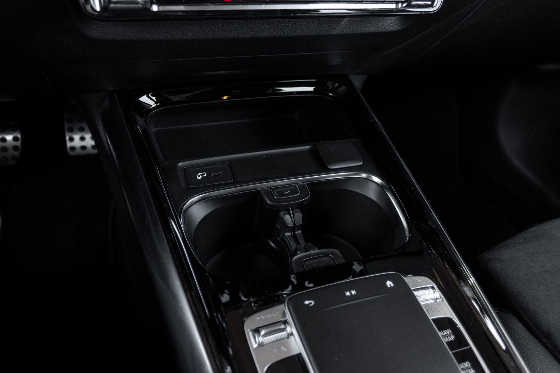 "Mercedes-Benz B-Klasse 180d AMG Widescreen/M-bux/LED/19"" Aut7 Foto 38"
