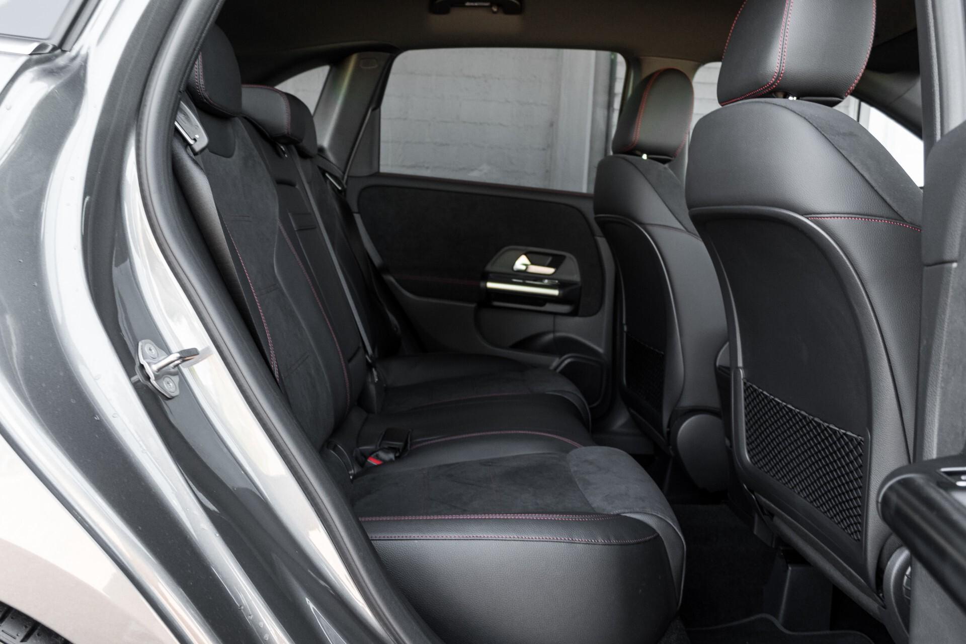 "Mercedes-Benz B-Klasse 180d AMG Widescreen/M-bux/LED/19"" Aut7 Foto 4"