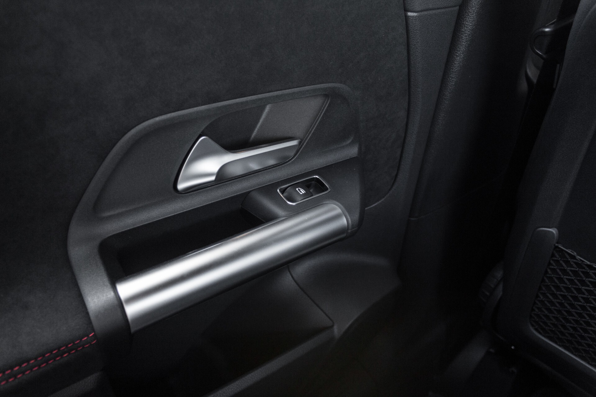 "Mercedes-Benz B-Klasse 180d AMG Widescreen/M-bux/LED/19"" Aut7 Foto 51"