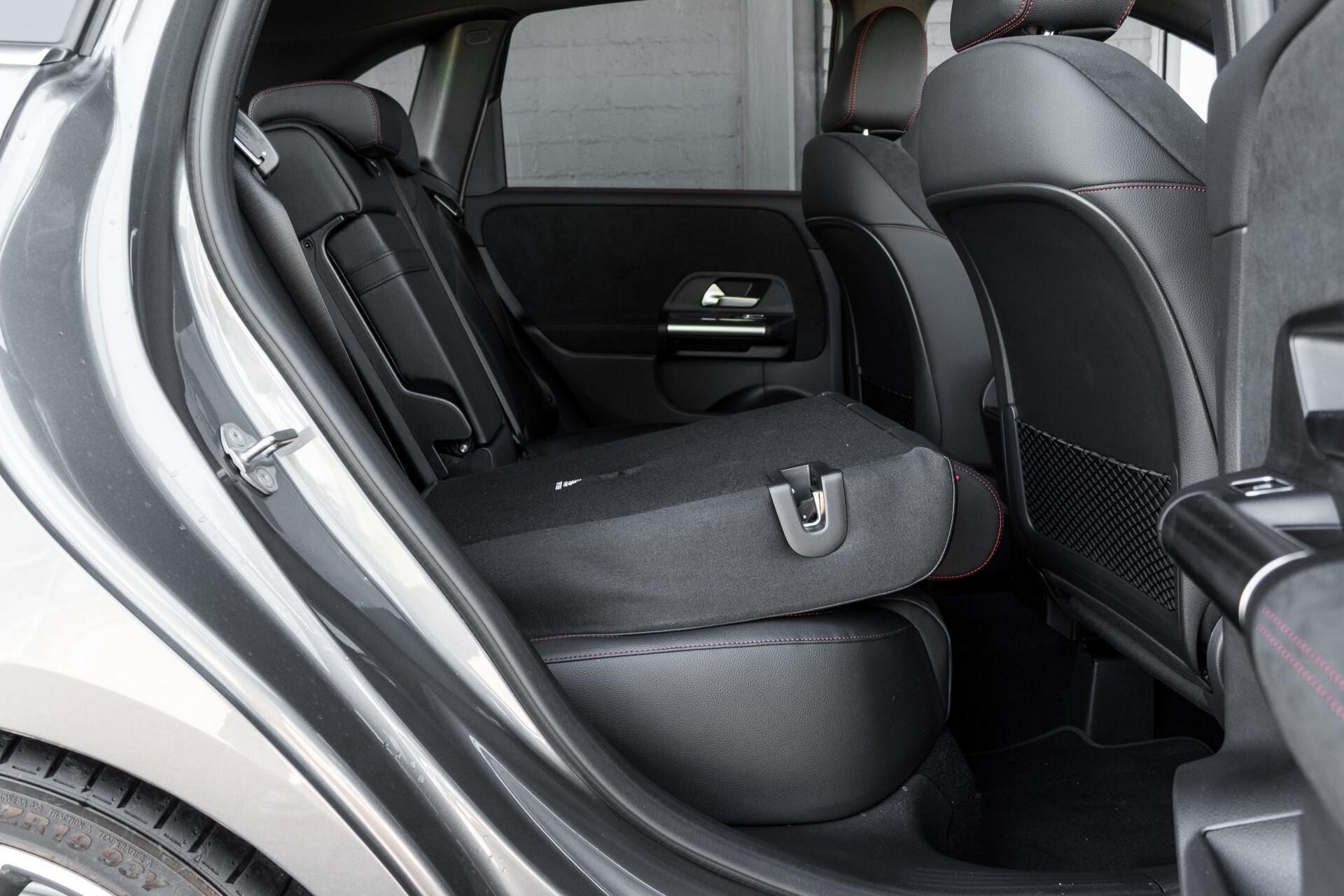 "Mercedes-Benz B-Klasse 180d AMG Widescreen/M-bux/LED/19"" Aut7 Foto 6"
