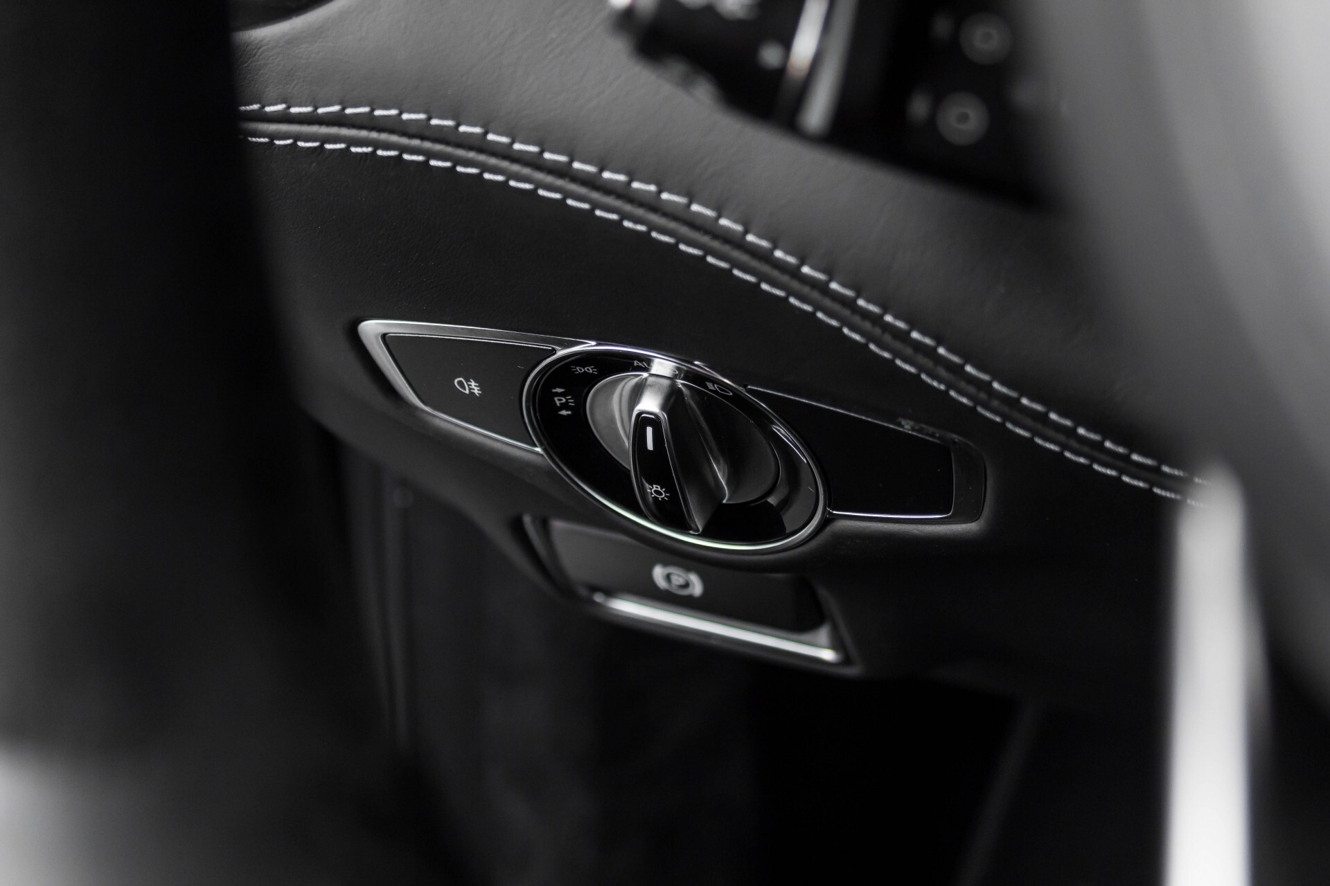 Mercedes-Benz S-Klasse Coupé 63 AMG 4-M Keramisch/Akrapovic/Swarowski/Designo/Burmester High End Aut7 Foto 43