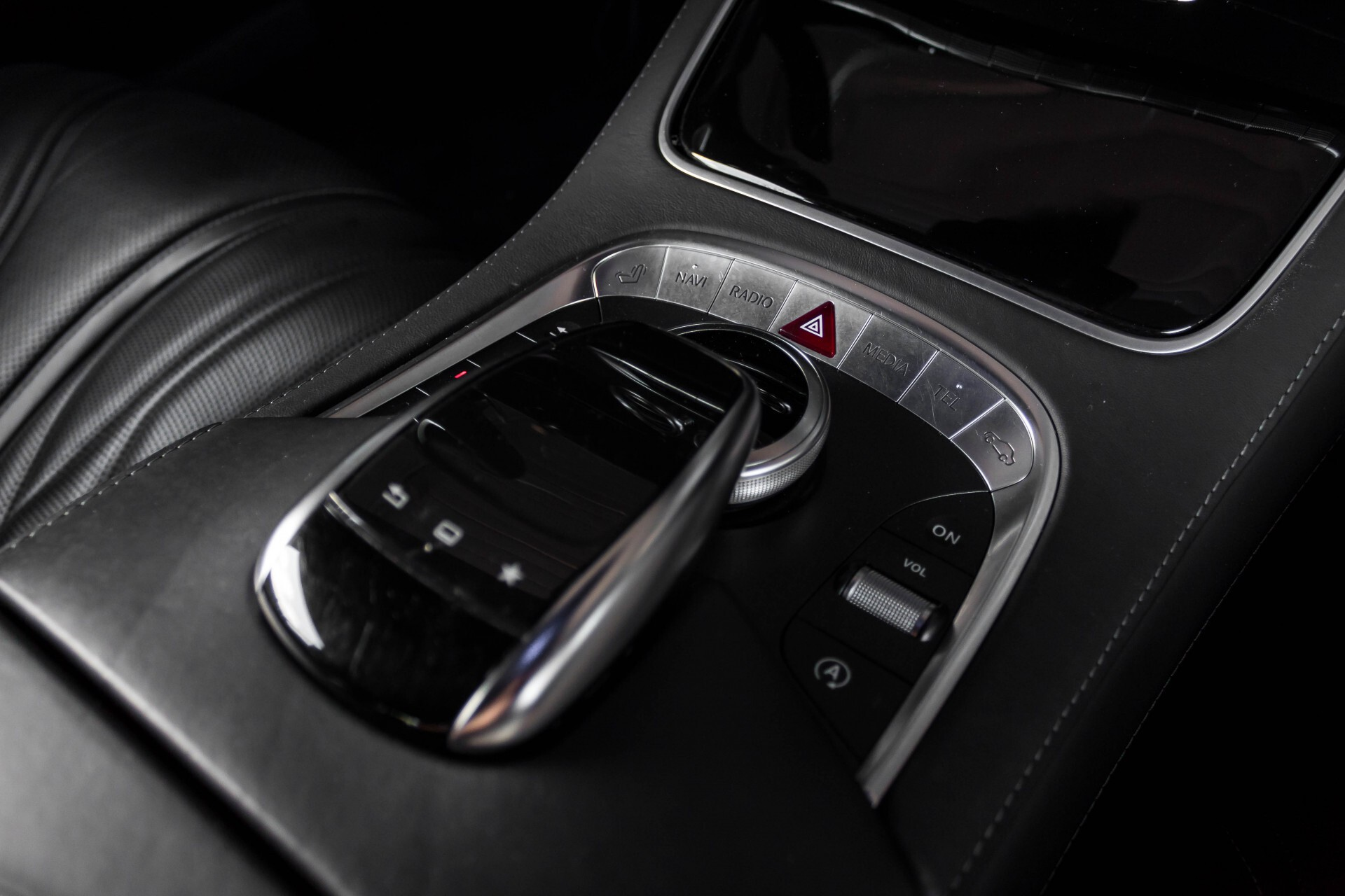 Mercedes-Benz S-Klasse Coupé 63 AMG 4-M Ceramic/Akrapovic/Swarowski/Designo/Burmester High End Aut7 Foto 50