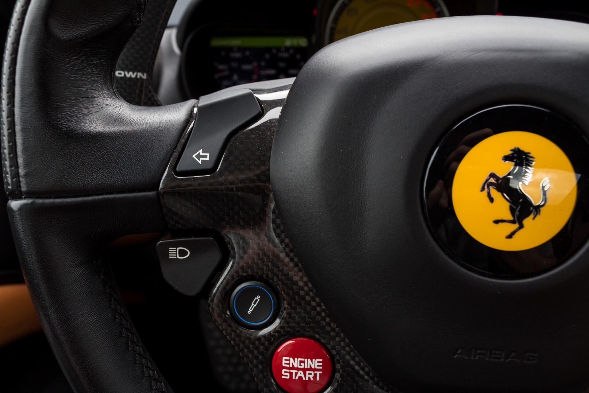 Ferrari California 3.9 T Full Carbon Nieuwprijs: €284081 Foto 10