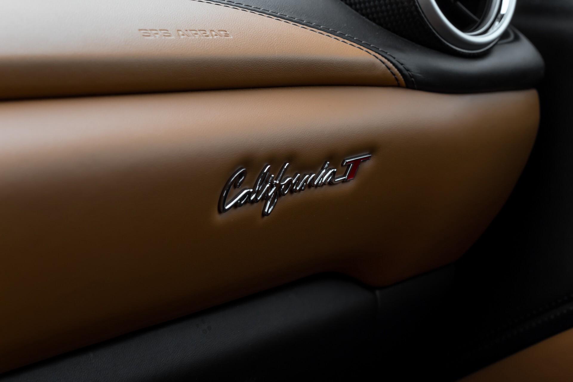 Ferrari California 3.9 T Full Carbon Nieuwprijs: €284081 Foto 33